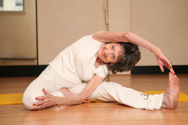92 years old granny doing deepthroat - 2 part 2