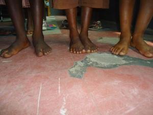 p6 Barefoot girls